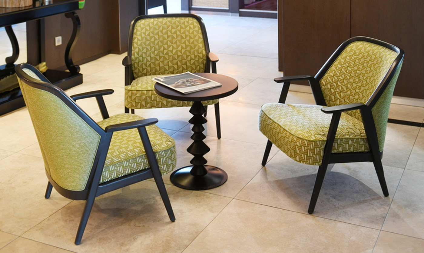 Furniture of the Saint-Jacques Relais Hotel in Coings 02