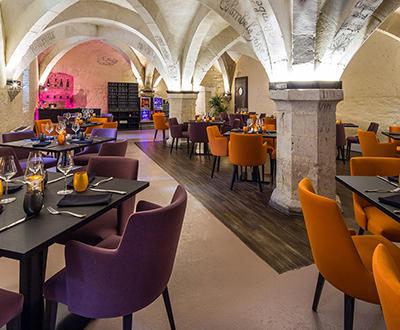 Hotel restaurant and bar interior design news collinet for Restaurant bar sur aube