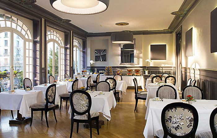 Restaurant furniture for Restaurant De La Cigogne in Geneva