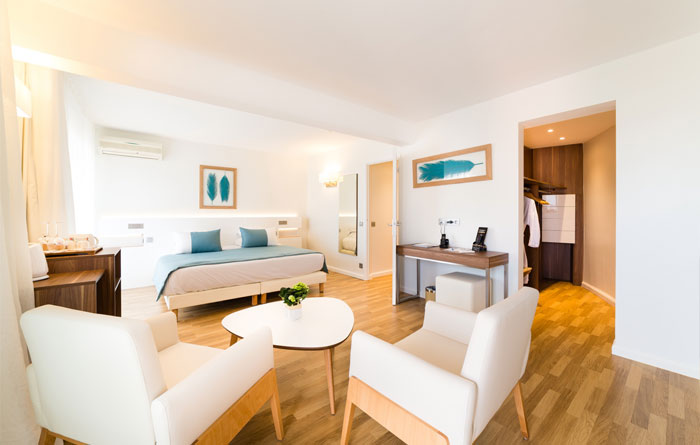 Hotel furniture for Helios Hotel in Juan-les-Pins (France)
