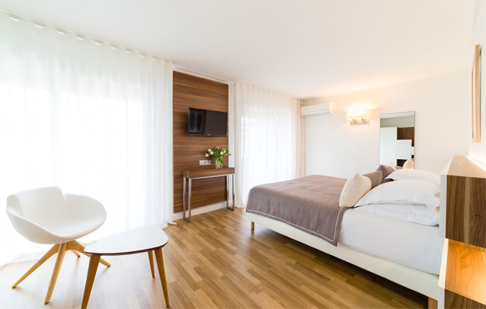 Hotel furniture for Helios Hotel in Juan-les-Pins (France) 2