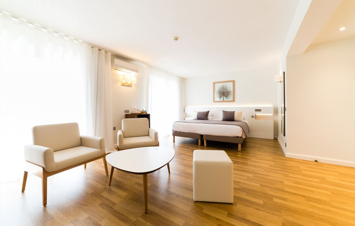 Hotel furniture for Helios Hotel in Juan-les-Pins (France) 3